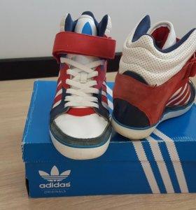 Кроссовки Adidas Originals 38р