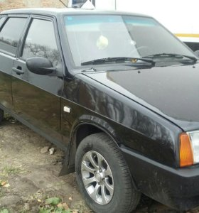 Автомобиль Лада 99