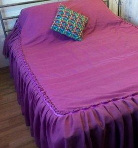 Кровать двуспальная с матрасом!