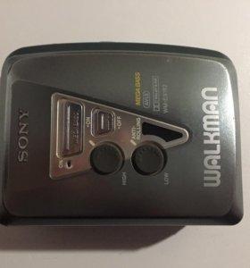 Кассетный плеер Sony (Walkman WM-EX182)