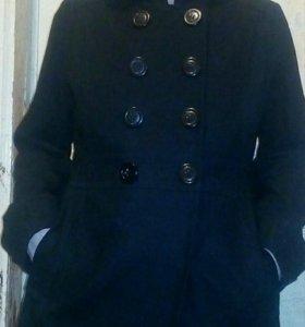 Пальто модное