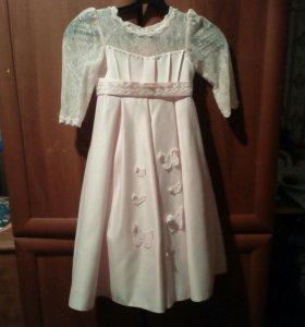 Детское платье на ребёнка 4-5лет.