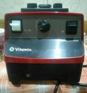 Профессиональный блендер vitamix