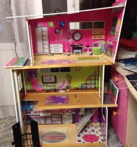 Особняк, домик для кукол.