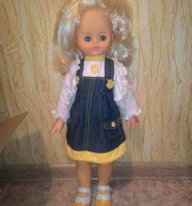 Кукла говорящая и ходячая