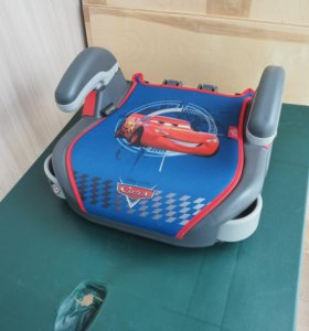 Бустер Graco Booster Basic Disney Racing Cars