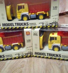 Детская игрушка автомобиль