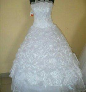 Платья свадебные, новые!