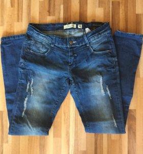 Новые женские джинсы 28 размер