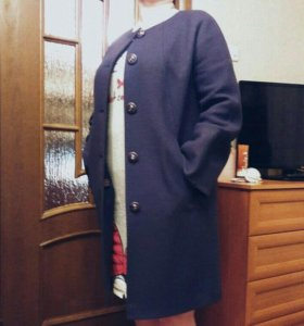 Пальто демисезонное ( размер 48-50).