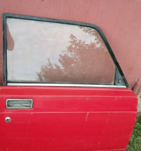 Дверь 2104 правая передняя б/у
