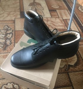 Ботинки для солдат и матросов осение размер 44.