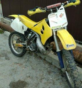 Suzuki RM250
