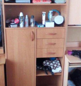 Шкафы: для посуды, для компьютера, секретер продам