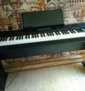 Электронное пианино со стойкой под пианино