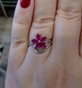 Серебряное кольцо с корундом (рубин)