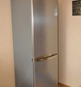 холодильник 2х камерный Samsung