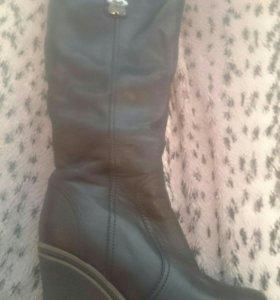 Зимние кожаные сапоги в идеальном состоянии