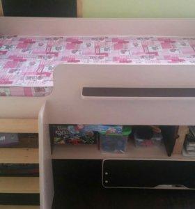 Детская кровать с бортами Легенда 6 с полкой
