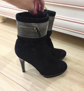 Ботинки на каблуке на осень
