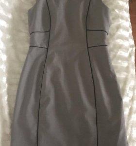 Светло-серое платье-сарафан