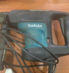Перфоратор Makita HR3200C
