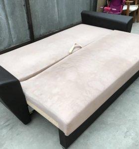 Диван с новыми подушками