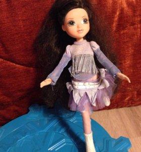 Игрушка кукла Roxy на льду