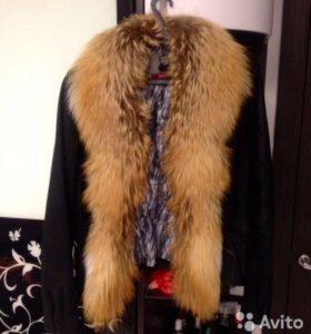 Демисезонная куртка с воротом рыжей лисы