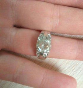 Серебрянное кольцо 18 размер