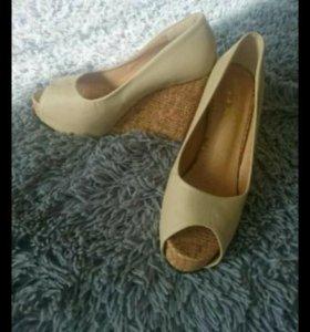 Новые туфли 37-38 р-р