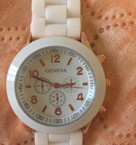 Новые часы наручные