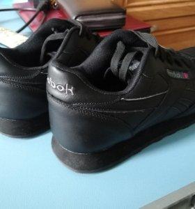 Кроссовки кожа новые.Reebok