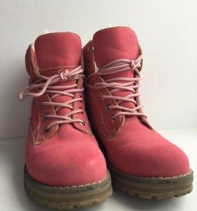 Ботинки для девочек(34размер)