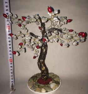 Дерево из каменного скола ручной работы