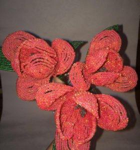 Тюльпаны из  мелкого бисера ручной работы