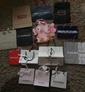 Подарочные брендовые пакеты