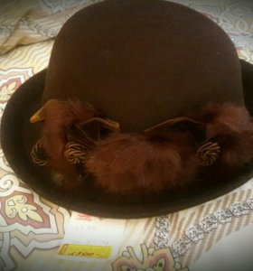 Шляпа из натурального фетра с отделкой из меха