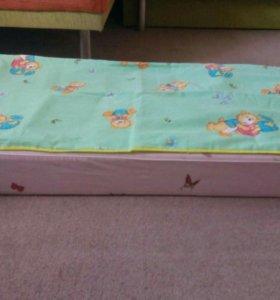 Кроватка с матрасиком,наматрасником,бортики