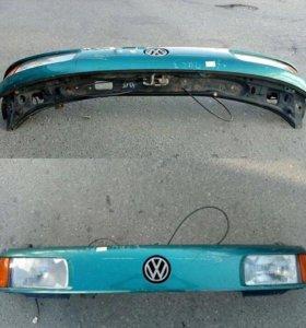 Передний бампер на VW Passat B3