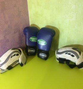 Перчатки для бокса и налокотники для хокея rebok