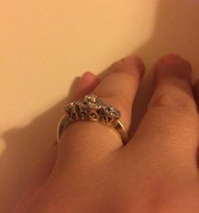 Женски кольцо