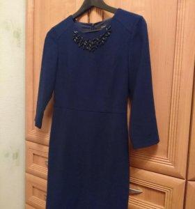 Классическое платье темно-синего цвета