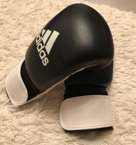 Боксерские перчатки Adidas OZ14