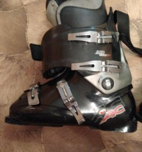 Ботинки горнолыжные 43 р
