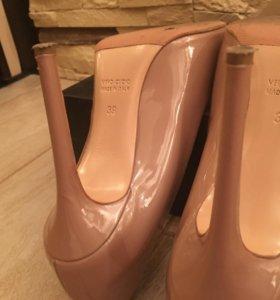 Кожаные босоножки из Италии.