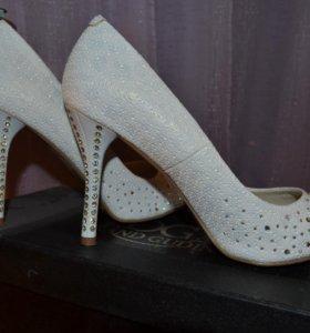 Туфли вечерние (свадебные) со стразами