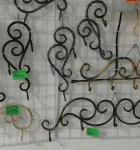 Кованые вешалки ручной работы разных размеров