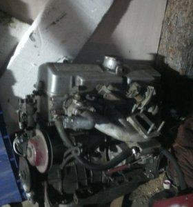 Двиготель в разборе москвич 1.7 на запчасти