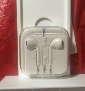 Наушники Apple EarPods с Lightning